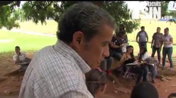 image91 Video   Estudiantes UASD continúan recibiendo docencia debajo de árboles