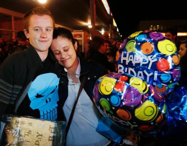 pe odin birthday Facebook logra que decenas vayan a fiesta de niño con Asperger