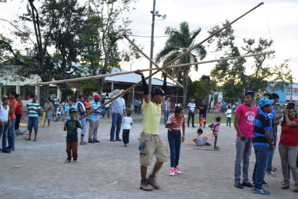 Concurso de megas chichiguas en Fantino, 2015 (1)