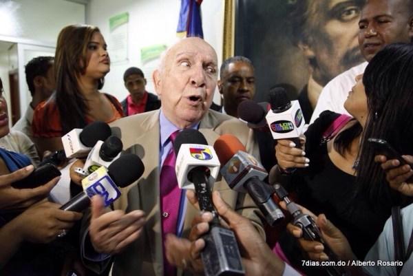 image348 Vincho anuncia renuncia del gobierno