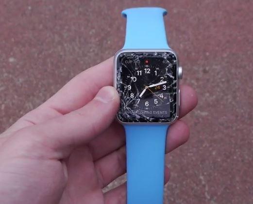 image561 Video   Lo que sucede cuando tiras un Apple watch al piso
