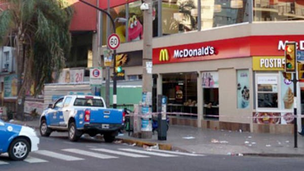 image60 Video   Balacera en un McDonalds en Argentina