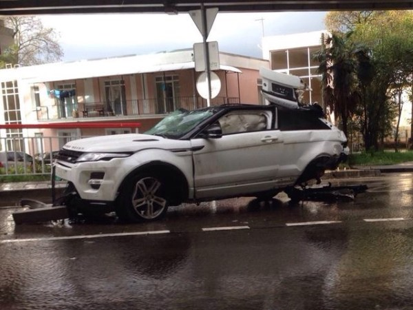 image90 Video   Cuando Range Rover Evoque se deguabina