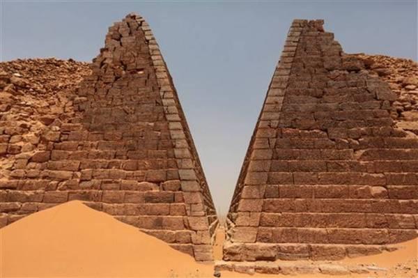 SUDAN-PRIMAMIDES_OLVIDADAS__SPANXMS303