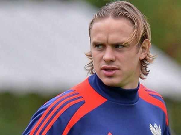 image13 Video   Futbolista ruso se lleva poste de luz a 170 km/hr