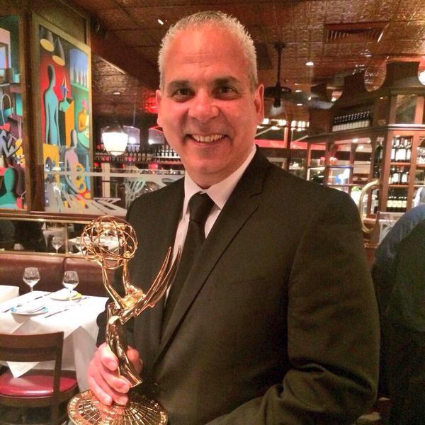 image80 El narrador dominicano Ernesto Jerez, recibe el Emmy Deportivo