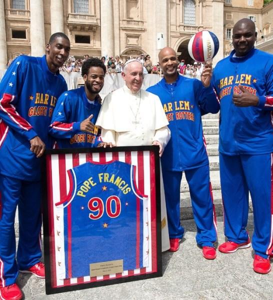 image87 El papa se reunió con los Trotamundos de Harlem
