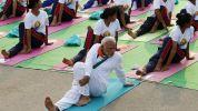 1435613361 india yoga 644x362 Policías en la India deberán practicar yoga obligao