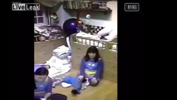 image262 Video   Método abusivo para dormir bebés en China
