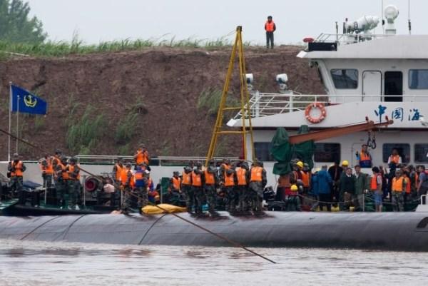image95 Aumentan los fallecidos en naufragio de China