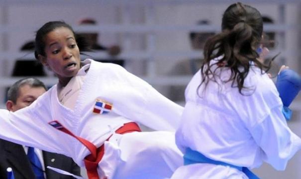 karatea Karateca dominicana y sus patadas de oro
