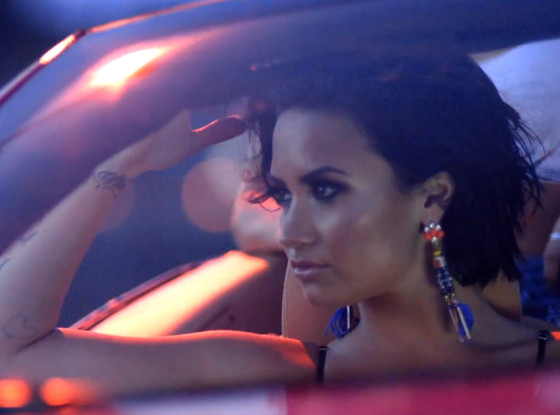 rs_560x415-150723082924-1024.Demi-Lovato-Music-Video-Cool-Summer.jl.072315