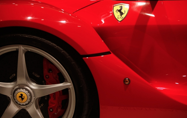 ferrari Ferrari en la Bolsa de Nueba Yol
