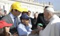 Niño dominicano se encuentra por segunda vez con el Papa