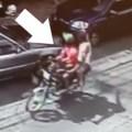 ladrones Video  Cachao en cámara: Motoristas robando celular(RD)