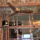 zinc NY   Primer Beer Garden dominicano hecho de materiales rescatados