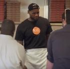 le Video   Lebron como empleado de pizzería