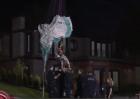 Paracaidista cae en cables eléctricos
