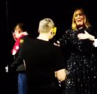 Pareja gay en concierto de Adele