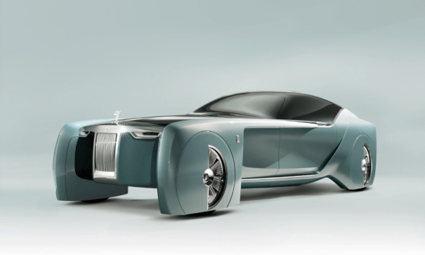 feo Rolls Royce muestra su carro feo que se maneja solo