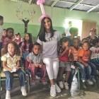 sal2 Miss República Dominicana compartiendo con niños en Constanza