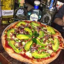 pizza Atención comelones de NY: Comida Mediterranea Dominicana