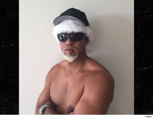 tiger woods Tiger Woods en topless, lo llaman 'Mac Papá Noel'
