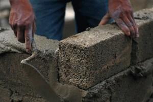 block cemento Al grito, el sector de la construcción en RD