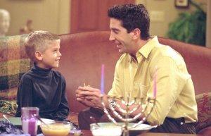 "ross Así está hoy el hijo de Ross en ""Friends"""