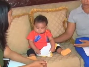 nino Video   Ayudemos a este niño dominicano