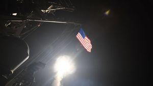eeuu misiles tomahawk siria poblacion 1015109456 126117795 667x375 Los países que tan y los que no tan con el ataque de EEUU contra Siria