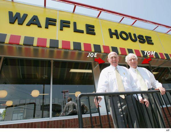 waffle house Fundadores de la Casa del Waffle mueren a un mes de diferencia