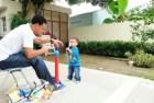 carlos gomez Hijo de Carlos Gómez aprendiendo a dar 'majaguazos'
