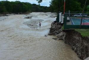 lluvias rio Mantienen alertas por lluvias en RD