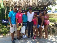 Luis Guillen y sus 6 hijos
