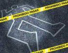 escena piso suicidio policia linea 300x234 Chofer de transporte público le pasa guagua por encima y lo mata