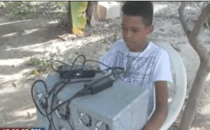 Juan José Montilla 300x186 Harto del calor, chamaquito dominicano crea un aire acondicionado