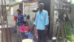ayudemos 300x169 Ayudemos a esta niña dominicana