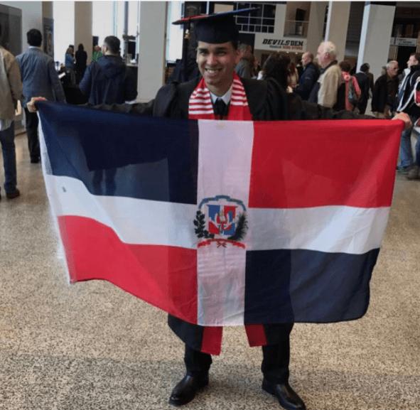 rd1 Fotos   Orgullo dominicano en graduaciones en USA