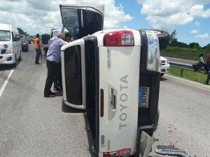 Ezequiel Molina 300x225 Hijos del pastor Ezequiel Molina sufren accidente