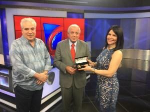 alicia fernando alcalde 300x225 Alicia Ortega y Fernando Hasbún reciben las llaves de Miami
