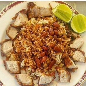 comida 3 300x300 Comida de las 12: Una conconada con habichuelas y chicharrón