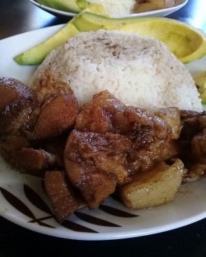 comida 8 300x375 Comida de las 12: Arroz, cerdo guisado y aguacate