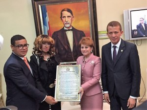 fefita 300x225 Fefita La Grande reconocida por la Cámara de Diputados