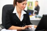 mujer oficina 150x100 70% de las empresas en RD son familiares