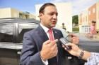 Abel 300x199 Alcalde reclama RD$100 millones y cancelan a su hermano