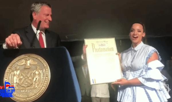 Dascha Polanco 600x355 Alcalde de NY celebra cultura dominicana: Perico ripiao, celebridades y gozadera