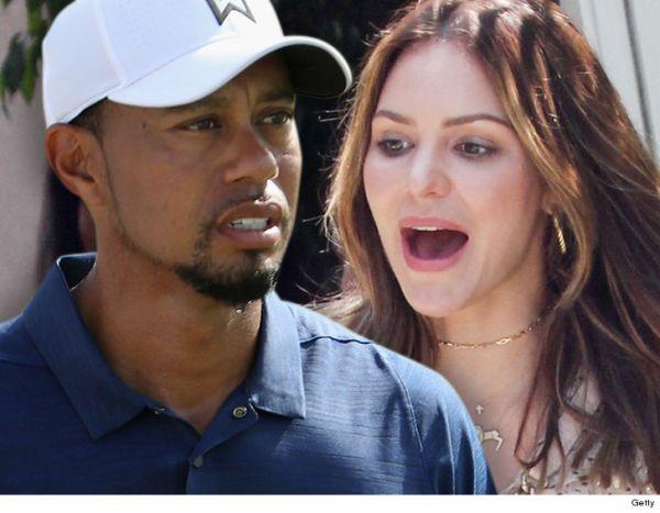 Tiger 600x467 Filtran fotos encueras de Tiger Woods y par de jevas
