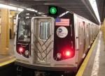 tren ny 150x109 Capturan masturbador criollo de 84 años en tren de NY
