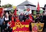 trabajadores de mcdonalds 150x105 Reino Unido: Empleados de McDonalds por primera vez en huelga